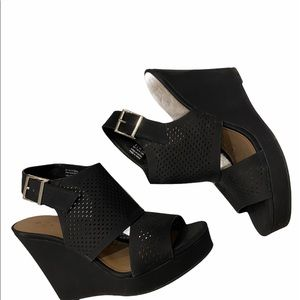 Wedge platform Summer Sandals Call Size 10